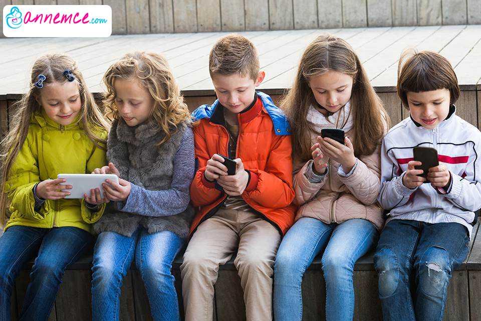 Sosyal Medyanın Zararlarından Korumak İçin Yasaklar Ne Kadar Etkili?