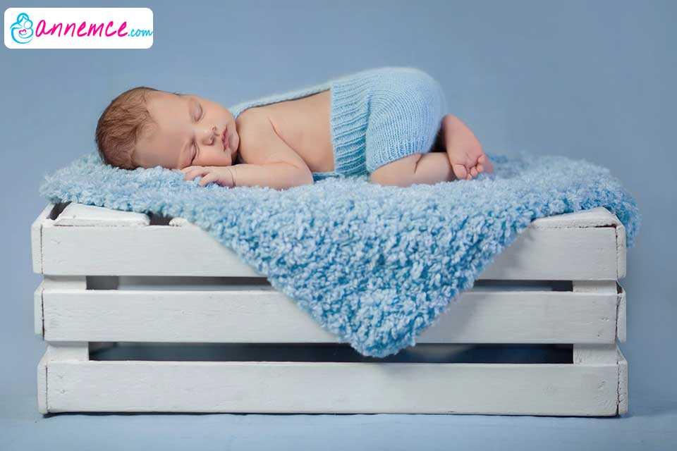 Bebeklerin Yatış Pozisyonları Hakkında Bilinmesi Gerekenler