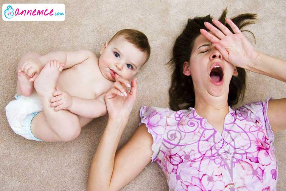 Yeni Doğan Bebeğin Uyumasını Nasıl Kolaylaştırırız?