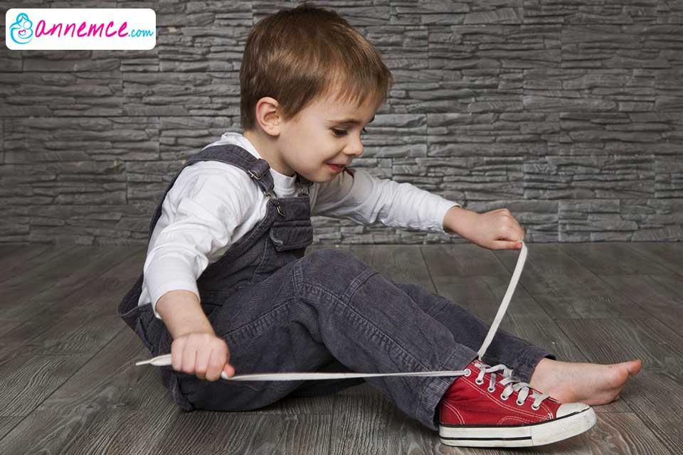 Çocuğumuza Tek Başına Giyinmeyi Nasıl Öğretebiliriz?