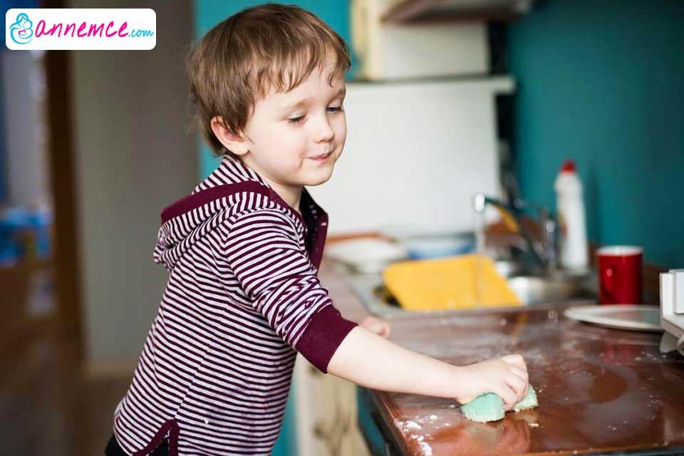 Çocukların Ev İşlerine Yardım Etmesi Zekalarını Geliştirir