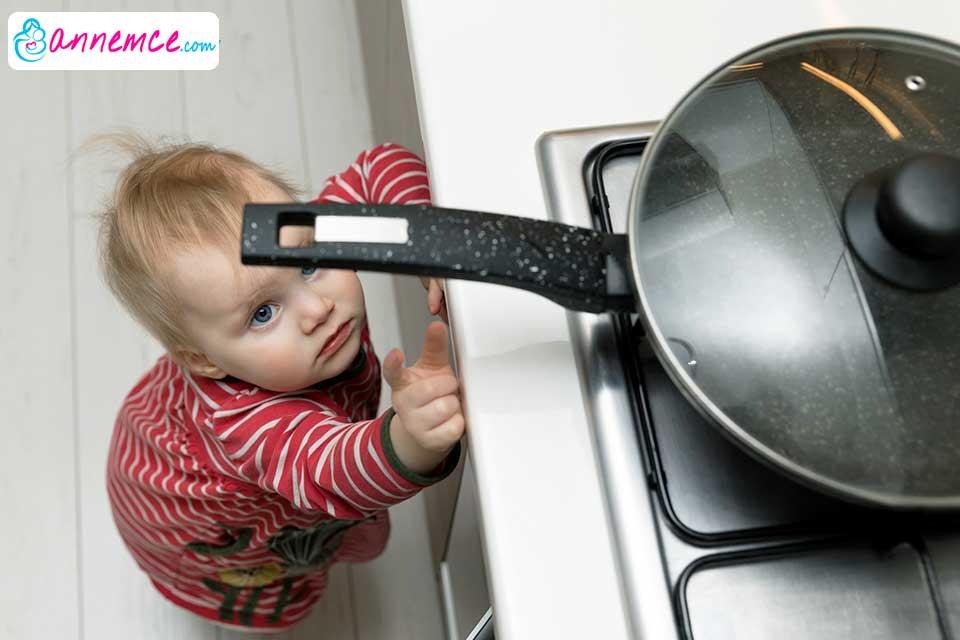 Çocukları Ev Kazalarından Korumak İçin Neler Yapılmalı?