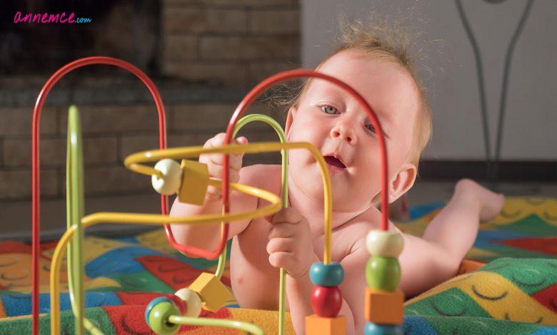 Bebekler İçin İnce Motor Gelişimi Sürecini Teşvik Eden Oyuncaklar